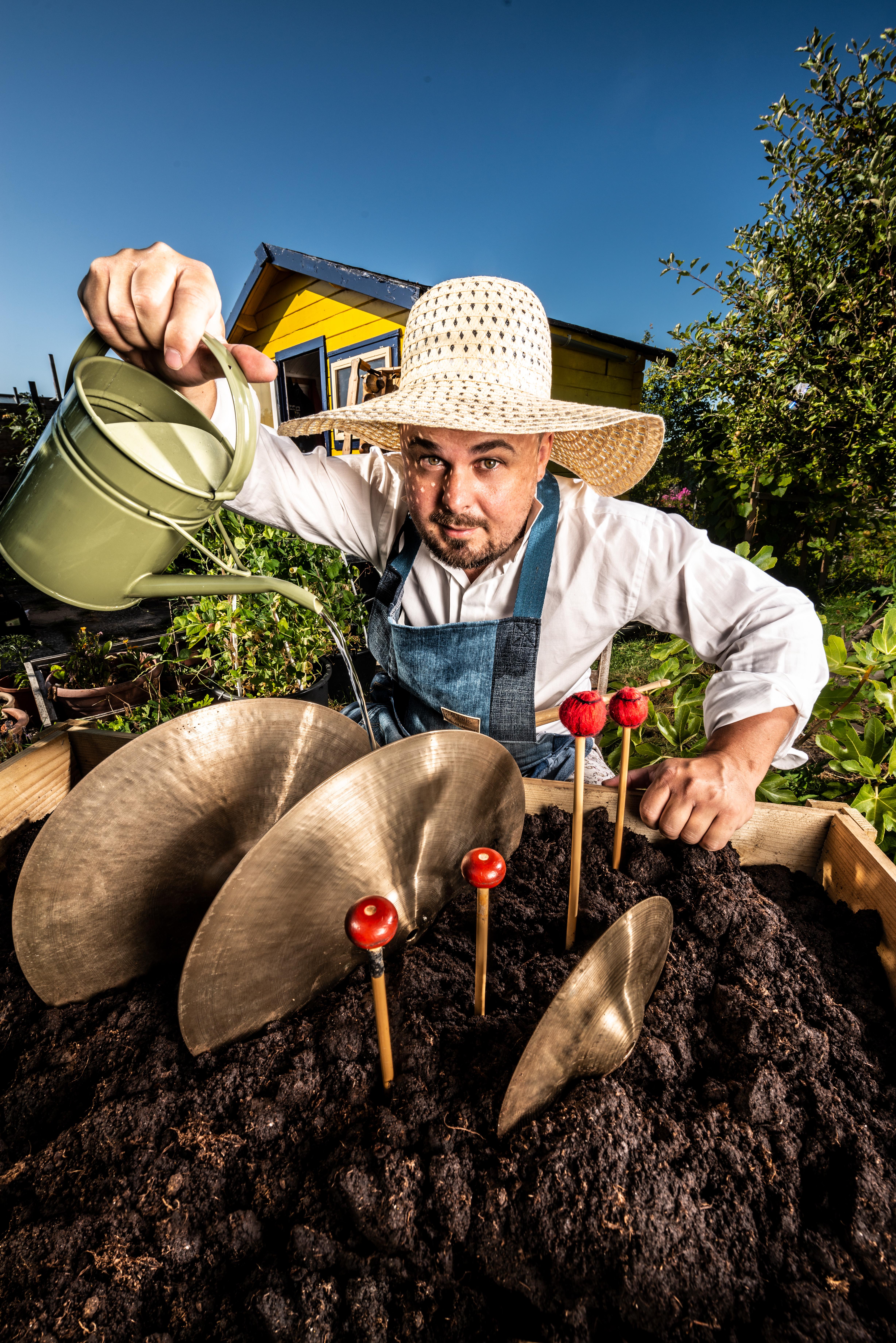 Tuinieren met slagwerk (6+)