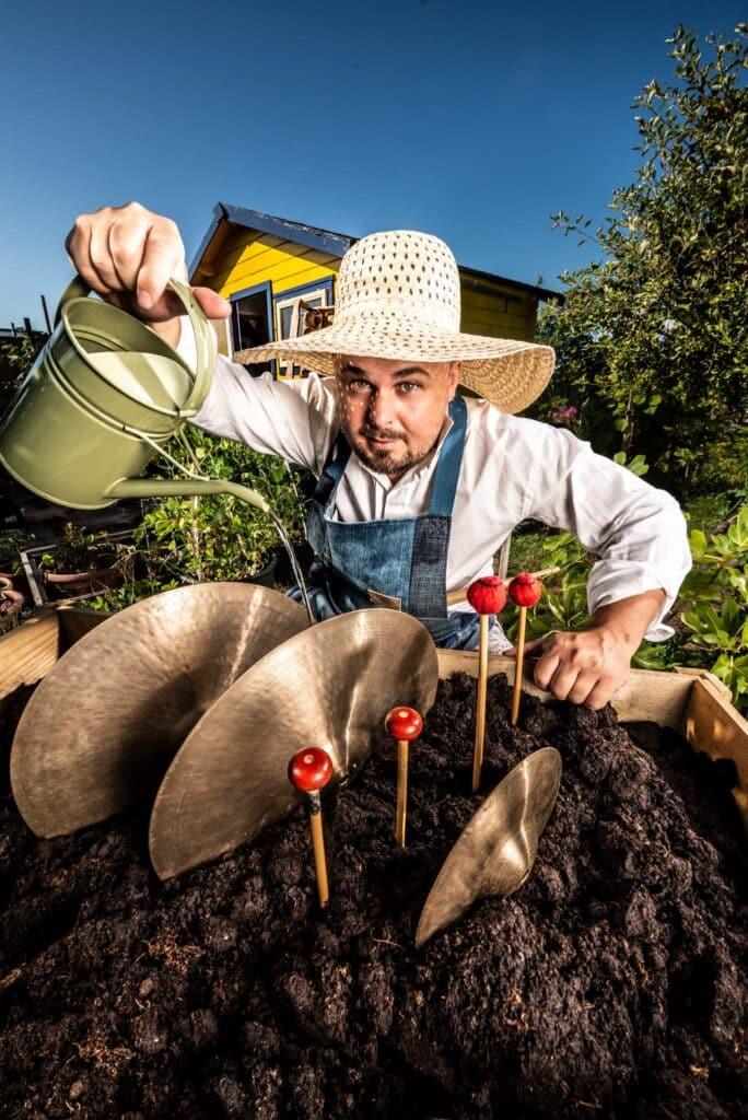 Tuinieren met slagwerk_LRstaand_creditHenryFaber